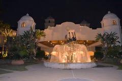 Gitarrspringbrunnen på hårt vaggar hotellet i universellt Studioos område royaltyfri bild