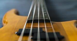 5 gitary basowej sznurek zdjęcia stock
