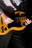 gitary mężczyzna bawić się Obrazy Stock