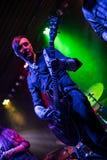 Gitarzysta bawić się na gitarze elektrycznej zdjęcia royalty free