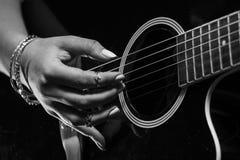 Gitarzysty Zamknięty Up Obrazy Royalty Free