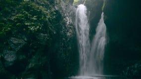 Gitgit瀑布在印度尼西亚巴厘岛 股票录像