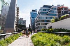 22 giugno, il turista dell'estate 2-17 sta camminando sull'alta linea il parco, N Fotografia Stock