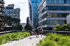 22 giugno, il turista dell'estate 2-17 sta camminando sull'alta linea il parco, N Fotografie Stock Libere da Diritti
