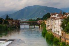 11 giugno 2016 L'Italia - fiume Brenta e degli Alpin di Ponte del ponte Fotografia Stock Libera da Diritti