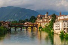 11 giugno 2016 L'Italia - fiume Brenta e degli Alpin di Ponte del ponte Immagini Stock Libere da Diritti