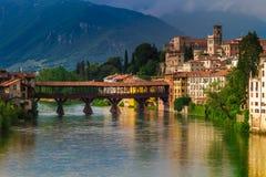 11 giugno 2016 L'Italia - fiume Brenta e degli Alpin di Ponte del ponte Immagine Stock
