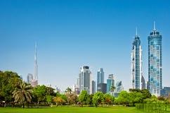 4 GIUGNO: Vista dei grattacieli del parco della città Fotografie Stock Libere da Diritti