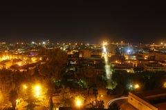 Giulianova por noche fotos de archivo