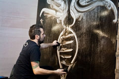Giulio Masieri, современный художник, выполняя Стоковое Изображение