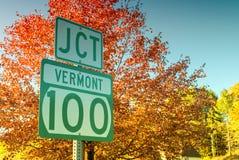 Giunzione 100 nel Vermont Strada famosa del fogliame Fotografia Stock Libera da Diritti
