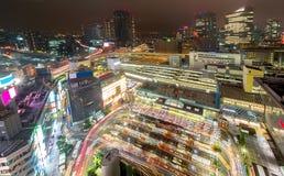 Giunzione occupata alla stazione di Yokohama Fotografia Stock Libera da Diritti