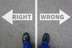 Giusta soluzione sbagliata di successo di scopi dell'uomo d'affari di concetto di affari Immagine Stock Libera da Diritti
