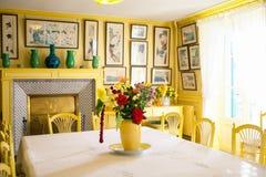 Giverny Frankrike - 20 Oktober 2016: inom hemmet av den franska impressionistmålaren Claude Monet Arkivfoton