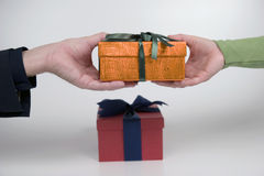 Giving gift Royalty Free Stock Images