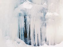 Givrage fondu à partir d'une montagne nordique photo stock