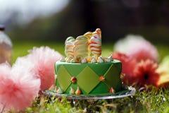 givrage heureux de vert de jour de gâteaux de gâteau de fond l'autre blanc de rue du tapotement s écrit Photographie stock