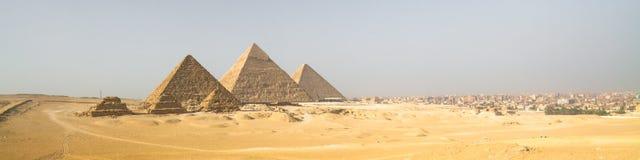 Giza pyramider i Kairo, Egypten Royaltyfria Foton