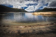 Gjevilvatnet jeziorni brzeg, Trollheimen góry, Norwegia fotografia royalty free