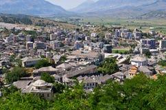 Gjirokaster -银色屋顶镇,阿尔巴尼亚 库存照片