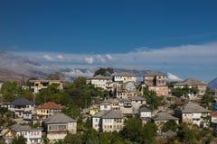 Gjirokaster is een stad in zuidelijk Albanië Zijn oude die stad is een Unesco-Plaats van de Werelderfenis, als ` een zeldzaam voo royalty-vrije stock afbeelding