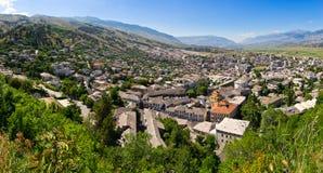 Gjirokaster - stad van zilveren daken, Albanië Royalty-vrije Stock Afbeeldingen