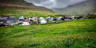 Gjogv by i Faroe Island Arkivbilder