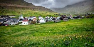 Gjogv wioska w Faroe wyspie Obrazy Stock