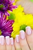 Gjord fransk manicure Royaltyfri Fotografi