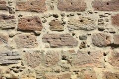 gjord naturlig stenvägg Royaltyfri Bild