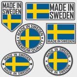 Gjort i Sverige etikettuppsättning med flaggan som göras i Sverige, vektorillus Arkivfoton