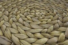Gjort randig vävt rep som används som bakgrund arkivbild