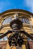 Gjutjärndetalj av staketet på Teatro Massimo Royaltyfria Foton