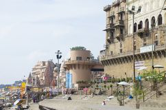 Gkhata la ciudad de Varanasi en la India en el río Ganges Fotos de archivo