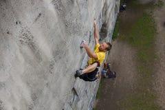 Glädje av klättringen Arkivfoto