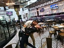 glädje i den sista stal kyssen Royaltyfri Bild