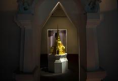 Glänsande guld- pagod Arkivbild