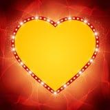 Glänsande hjärta på vågbakgrund Arkivbild