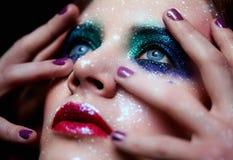 Glänsande kvinnaframsidamakeup Royaltyfria Bilder