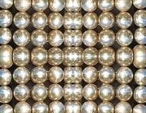 Glänsande metalliska bollar. Abstrakt bakgrund. Royaltyfri Bild