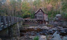 Gläntaliten vik Gristmill i den Babcock delstatsparken, WV arkivfoton