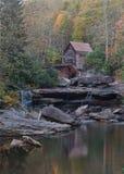 Gläntaliten vik Gristmill i den Babcock delstatsparken, WV arkivfoto