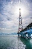 Glänzende Ölplattform Sun Lizenzfreie Stockfotos