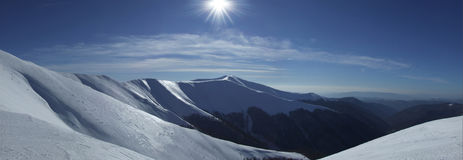 Glänzende Berge Stockbilder