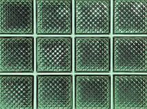 Glänzende grüne Glasblöcke Stockfoto