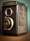 Glänzende Kamera mit 120 Filmen Voigtlander lizenzfreie stockfotografie