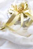 Glänzende silberne Geschenkbox Stockfoto