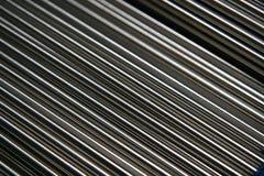 Glänzende Stahlrohre Stockbilder