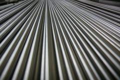 Glänzende Stahlrohre Stockfotos