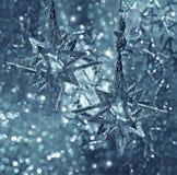 Glänzende Sterne. Weihnachtsdekoration Stockbild
